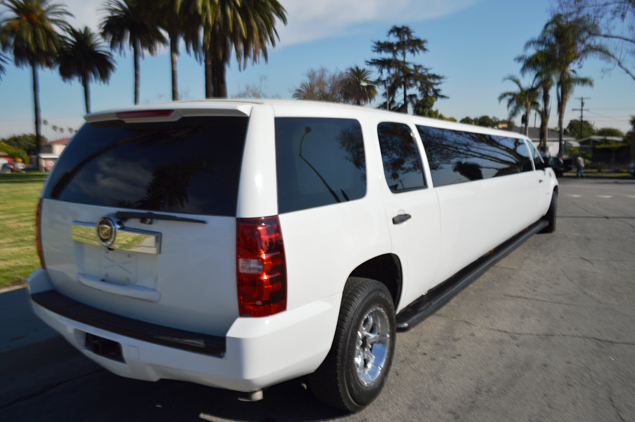 Chevy Tahoe Lease >> 2007 White 200-inch Chevy Tahoe Limousine for sale #2476 ...