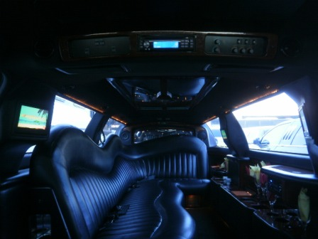 2005 White Lincoln Towncar Limousine For Sale By Dabryan 1059