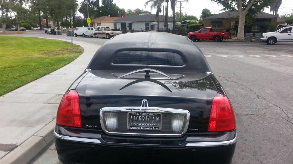 2005 Black 140 Inch Lincoln Towncar Limousine For Sale 1265
