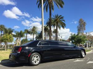 2015-Black-70-inch-Chrysler-300-Limousine-for-Sale-617 (12)