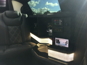 2015-Black-70-inch-Chrysler-300-Limousine-for-Sale-617 (2)