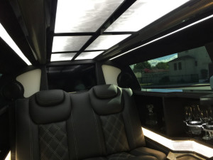 2015-Black-70-inch-Chrysler-300-Limousine-for-Sale-617 (3)