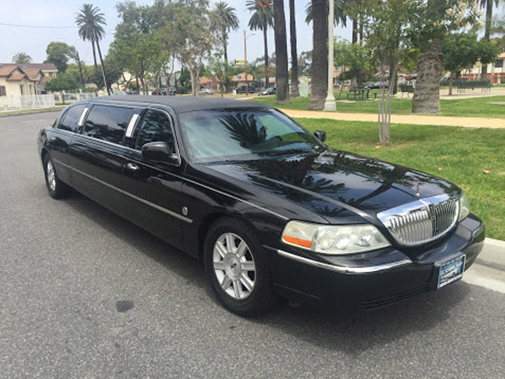 2007 Black 72 Inch Lincoln Towncar Limo For Sale 7235