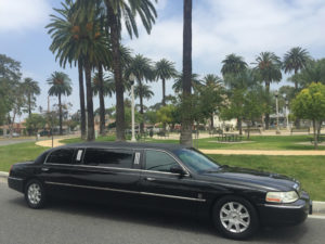 7235-2007-black-72-inch-lincoln-towncar-limo-for-sale-3