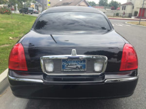 7235-2007-black-72-inch-lincoln-towncar-limo-for-sale-8