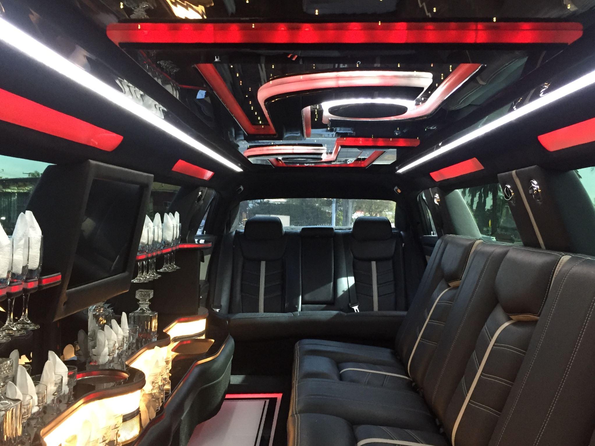 2015 White Chrysler 300 180 Inch 5th Jet Door 1874